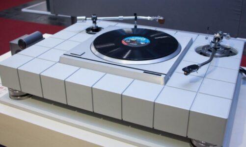 Astell&Kern giới thiệu dự án đầu quay đĩa than Cube 48