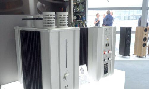 M 40 HV, bộ khuếch đại mono hybrid đầu bảng 550W, kỷ niệm 40 năm thành lập của T+A Audio